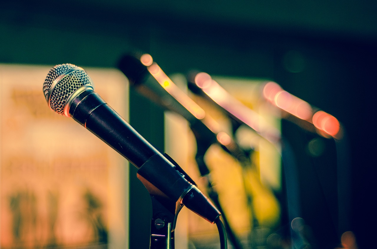 10 טיפים להעברת מצגות שיגרמו לכם להתבלט בקהל